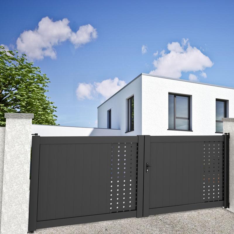 portail battant gris anthracite avec décoration dans une maison moderne