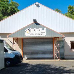 Devanture de l'agence APPY Menuiserie à Toulenne